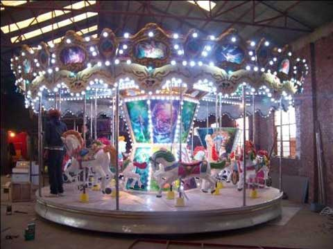 BNHU-02-Beautiful-Merry-Go-Round-Fairground-Carousel